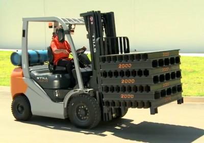 Locacao-de-empilhadeiras-aceleram-o-manuseio-de-cargas-pesadas-mesmo-em-espacos-apertados